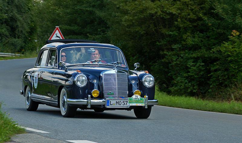 Mercedes Benz W105/128
